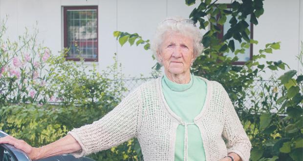 """Brita """"Post"""" fyller 90 år och är fortfarande ute och reser"""